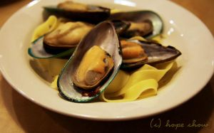 Mussels with pappardelle by lovingmyviolin