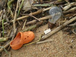 Shoe and bulb ~ Lost in the storm by FireFlyExposed