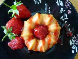 Caramel pudding with strawberries by beStill4me