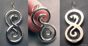 Elegant snake pendant by Dans-Magic