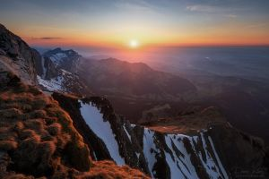 Sunset on Mount Pilatus by LinsenSchuss