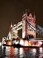 Tower Bridge by Autlaw