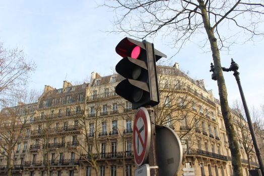 red light Paris by IHanakoI