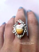 Cupcake ring by anarniell