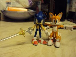 Sonic And Tails Figures by DazzyDrawing