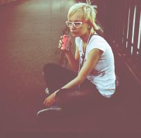 coca-cola and white glasses by emauz