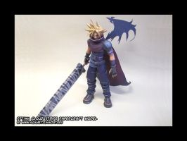 Cloud Strife papercraft model2 by ninjatoespapercraft