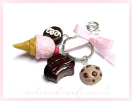 pastry keychain by enchantedcandycastle
