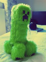Creeper Fluffy Toy by MochiNightmare