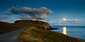 Moonset over Sumburgh Head by Sagereid