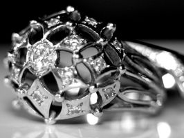 Diamond ring by MagaliM