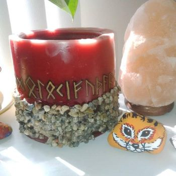 Fox rock and custom candle by nesse13