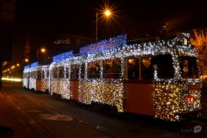 Christmas tram by trollwaffle