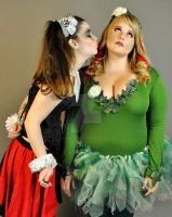 Harley and Ivy: Silly Kisses by Vpoolephotos