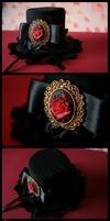 +__ Mini Tophat: Royalty by Macabreskiss