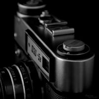 Old Camera by marialivia16