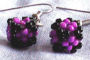 beaded cube earrings by Craftcove