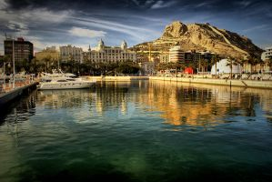 Puerto de Alicante by NormanOsborn