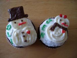Snowpeople Cupcakes by iliketodoodle