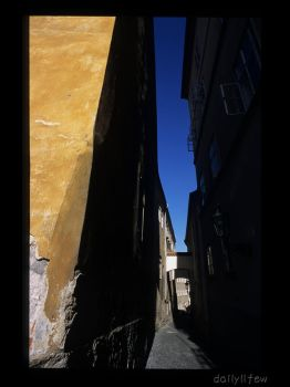 prague14 - narrow alley - by dailylifew