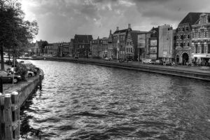 curving canal by greatinho