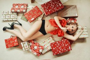 Under the Christmas Tree II by Mrs-Durden