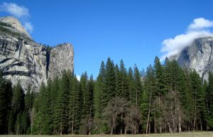 Yosemite Domes by dwarfeater