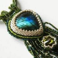 Falmarin embroidered necklace with labradorite by Sol89