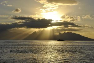 Tahiti Sunset by resbian2002