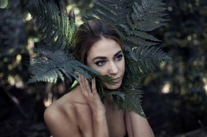 38/52 Queen of leaves by FedericoSciuca