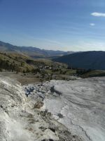 Mammoth Hot Springs Valley by rioka