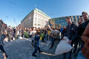 Berlin pillow fight 2011 - 24 by Egg-Salad