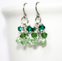 Chainmaille Shaggy Loops Green Ombre Crystals by VioletsInEden