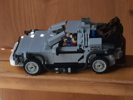 Time traveling delorean ((bttf 1 left side view)) by Trueblur1