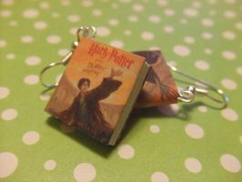 Harry Potter Book Earrings by manditaaknfv
