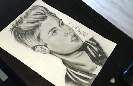 JUSTIN BIEBER by ESanchezz-Drawing