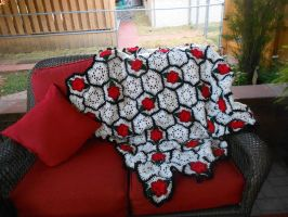 Hexagon Rose crochet blanket by PiNiKoLi