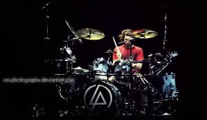 Linkin Park live in Macau:Rob by no-photography