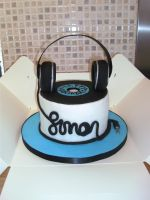 Headphones and Vinyl Cake by gertygetsgangster