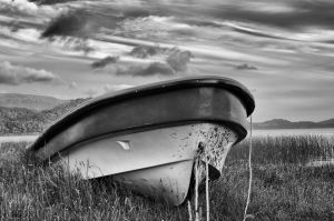 Lonely boat by LidiaRossana