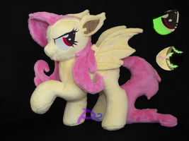FlutterBat RHV1 Glow-in-the-Dark by kiashone