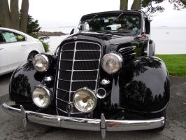 1934 Oldsmobile by SiVousCroyez