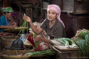 Market Girl 02 by mjbeng