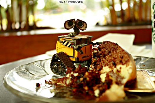 Wall-E: Can I Eat This Cake? by MRAFPhotoworks