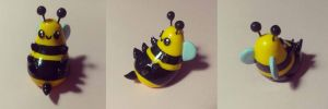 Cute Chubby Bumble Bee Polymer Clay Miniature by KarolinaSkaUniverse