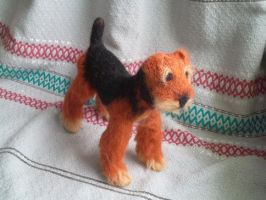 Needle felted Airedale Terrier by pakstadi