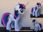 Alicorn Twilight Sparkle (folded wings) by agatrix