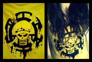 Jolly Roger - Trafalgar Law - T-shirt by madziulkabr