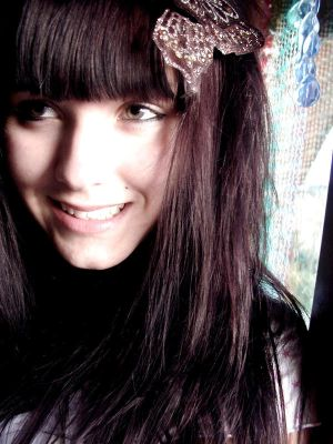 Smile for me girl by Mon Coeur - Emo Avatarlar(: