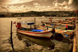 boats from golden horn by caguyanik
